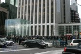 iPad 2 Launch – Fifth Avenue Apple Store - Image 6 of 40
